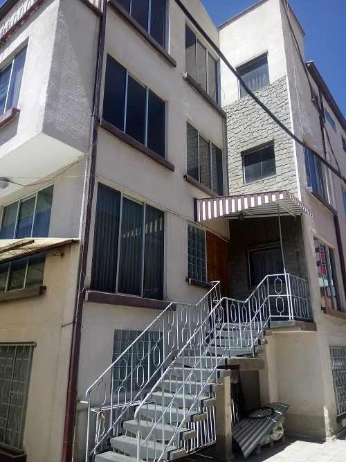 Departamento en Venta Calle Guerrilleros Lanza, zona Miraflores  Foto 1