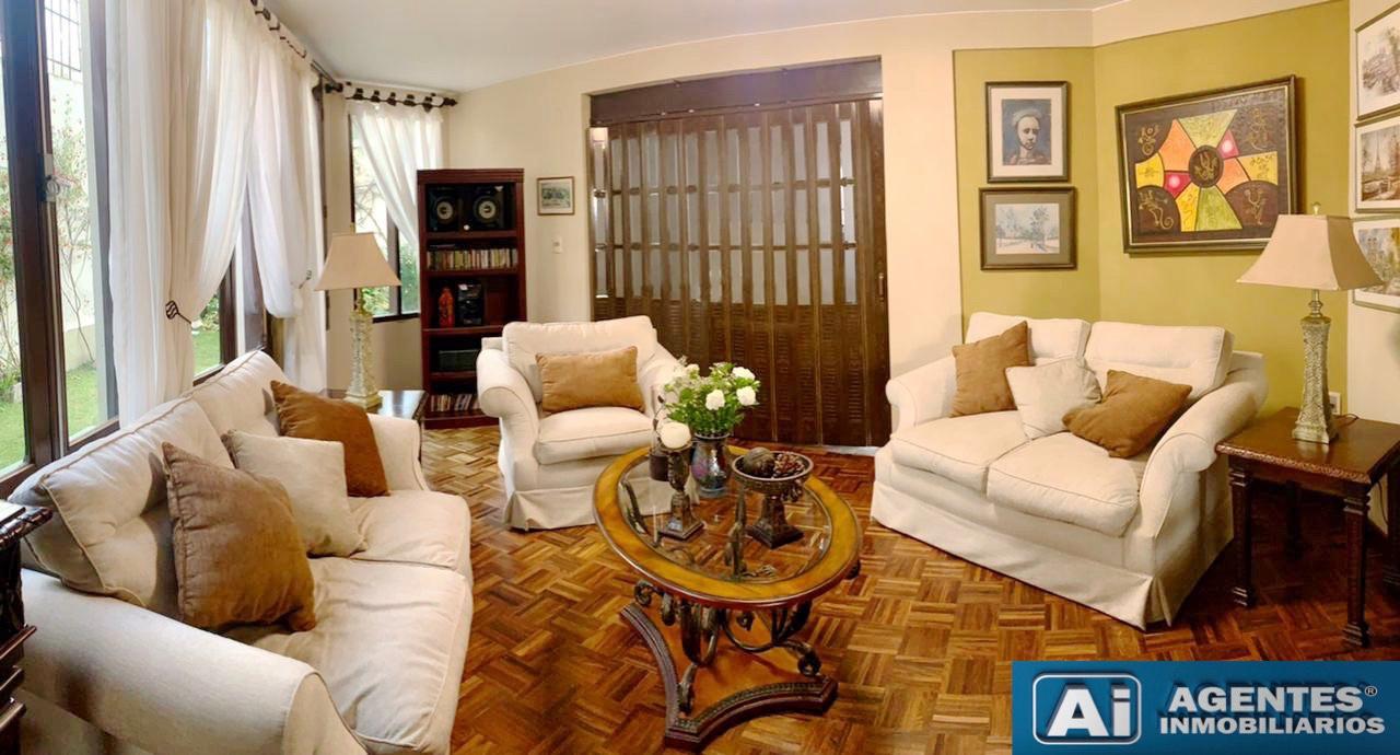 Casa en Venta ACHUMANI, CERCA AL COLEGIO ALEMAN  Foto 4