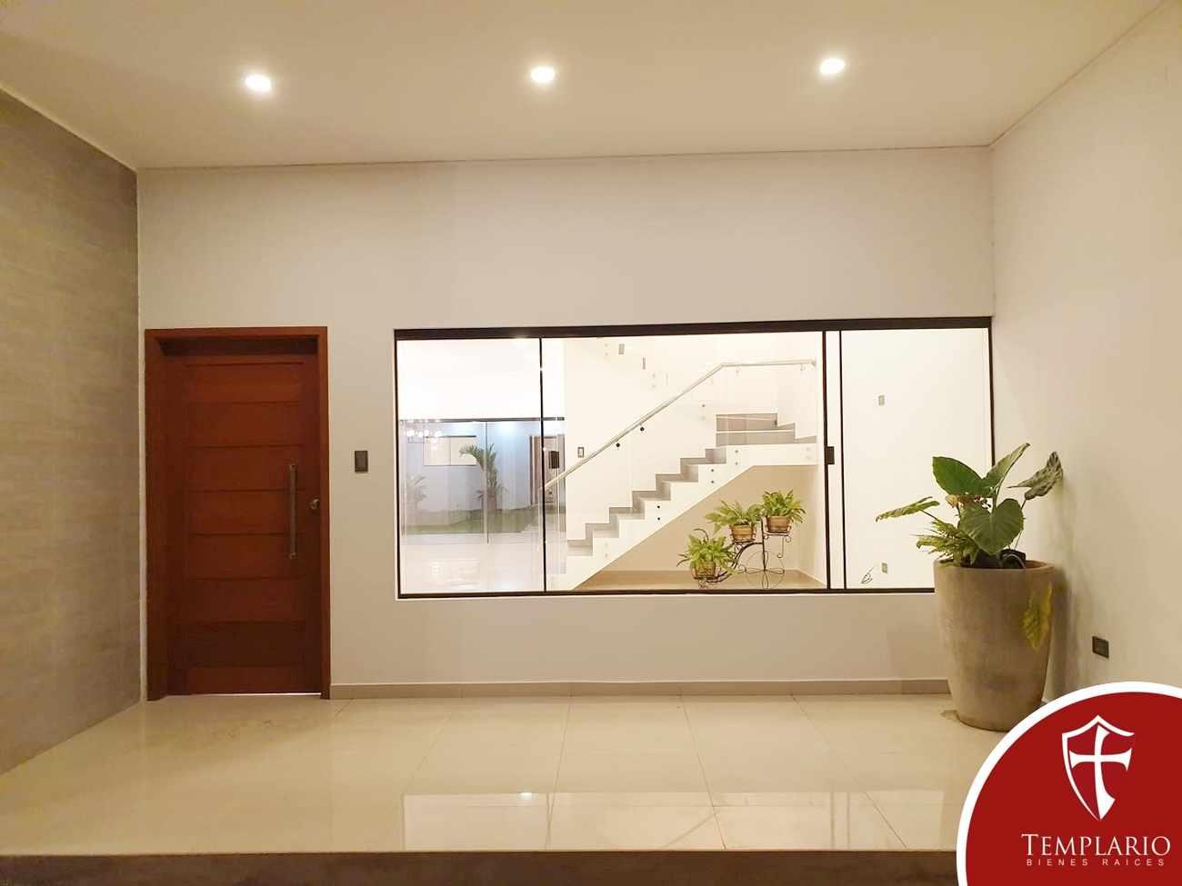 Casa en Venta Av. Santos Dumont 3er y 4to Anillo - Vecindario Residencial Foto 5