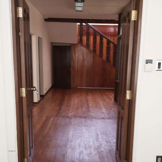 Casa en Alquiler Calacoto, calle 12, cerca de la Avenida Ballivián Foto 19