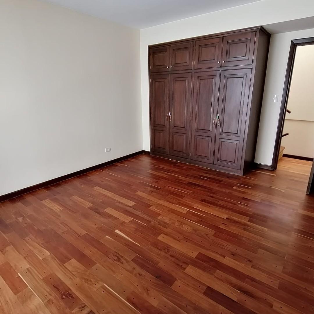 Casa en Alquiler $us.1.200.- ALQUILER HERMOSA CASA EN LOS PINOS LPZ  Foto 12