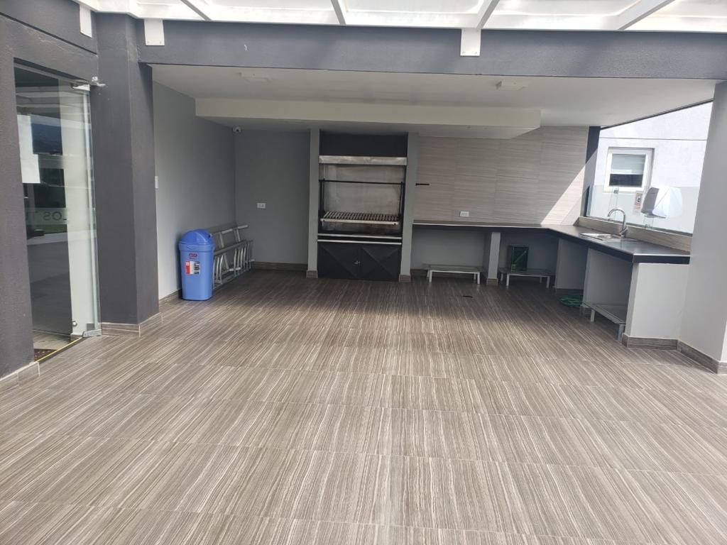 Departamento en Alquiler Calle 24 de Calacoto, sector colegio Montessori. Foto 2