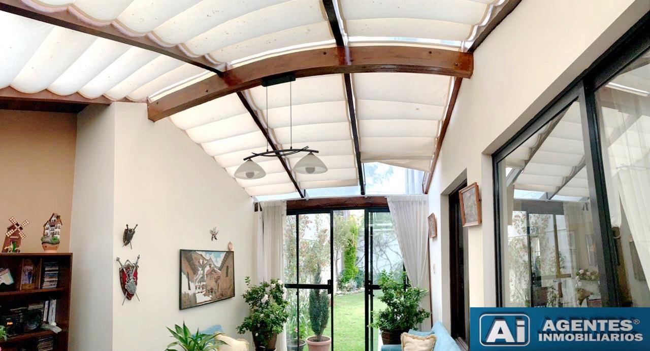 Casa en Venta ACHUMANI, CERCA AL COLEGIO ALEMAN  Foto 5