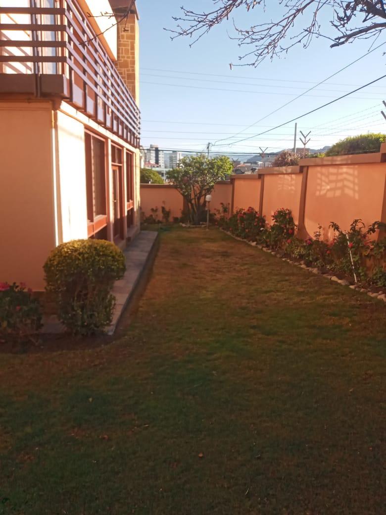 Casa en Alquiler CASA EN ESQUINA CON SOL Foto 2