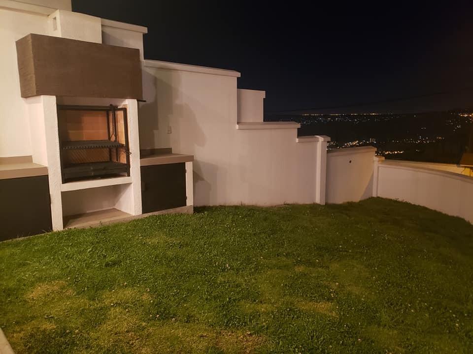 Casa en Venta ACHUMANI, LOS ROSALES CASA MODERNA A ESTRENAR Foto 6
