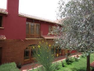 Casa en Venta Mallasilla, excelente ubicación muy cerca al Valle de la Luna  Foto 4