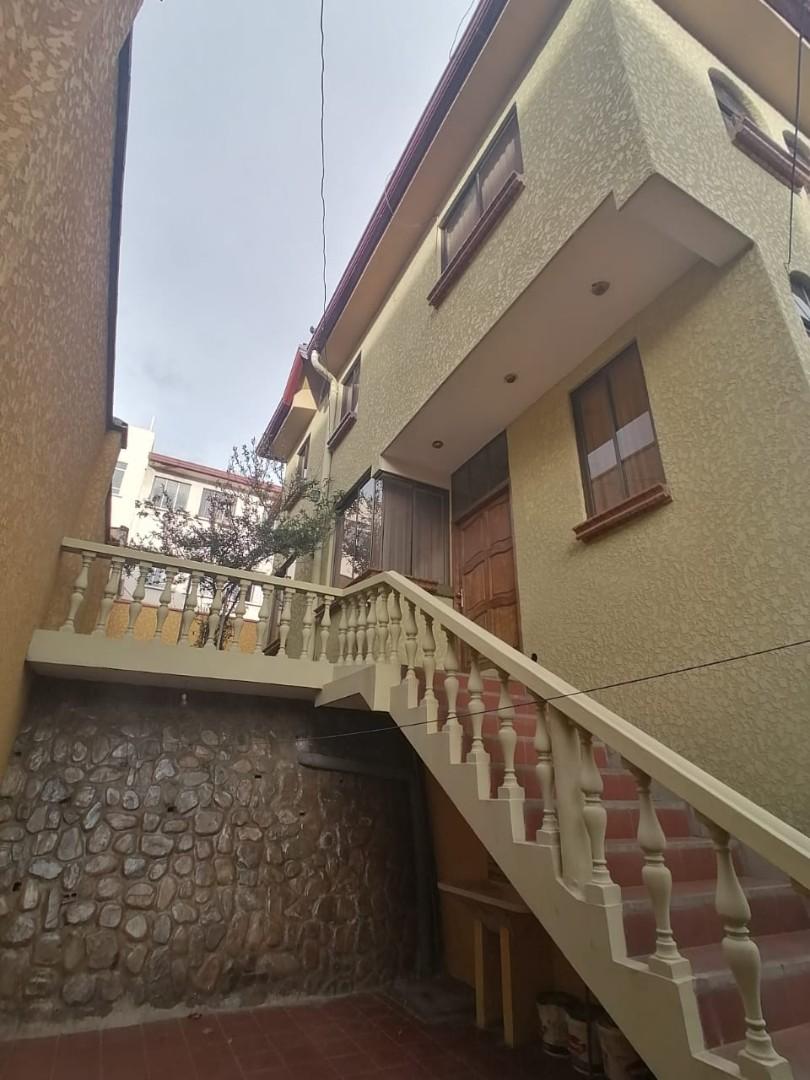 Casa en Venta BONITA CASA EN VENTA EN ALTO OBRAJES EN PLENA PLAZA AMISTAD Foto 4