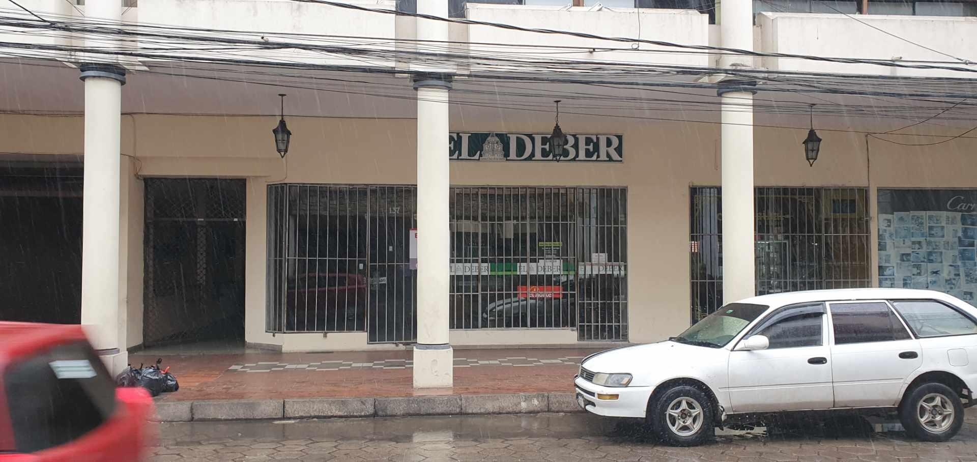 Local comercial en Venta Galería Central, Calle Ingavi esquina calle Independencia Foto 3