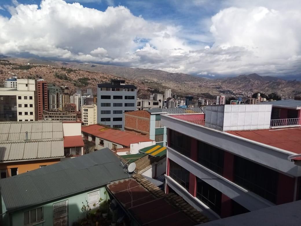 Departamento en Alquiler Zona Sopocachi, calle Abdón Saavedra y  Chaco Foto 3