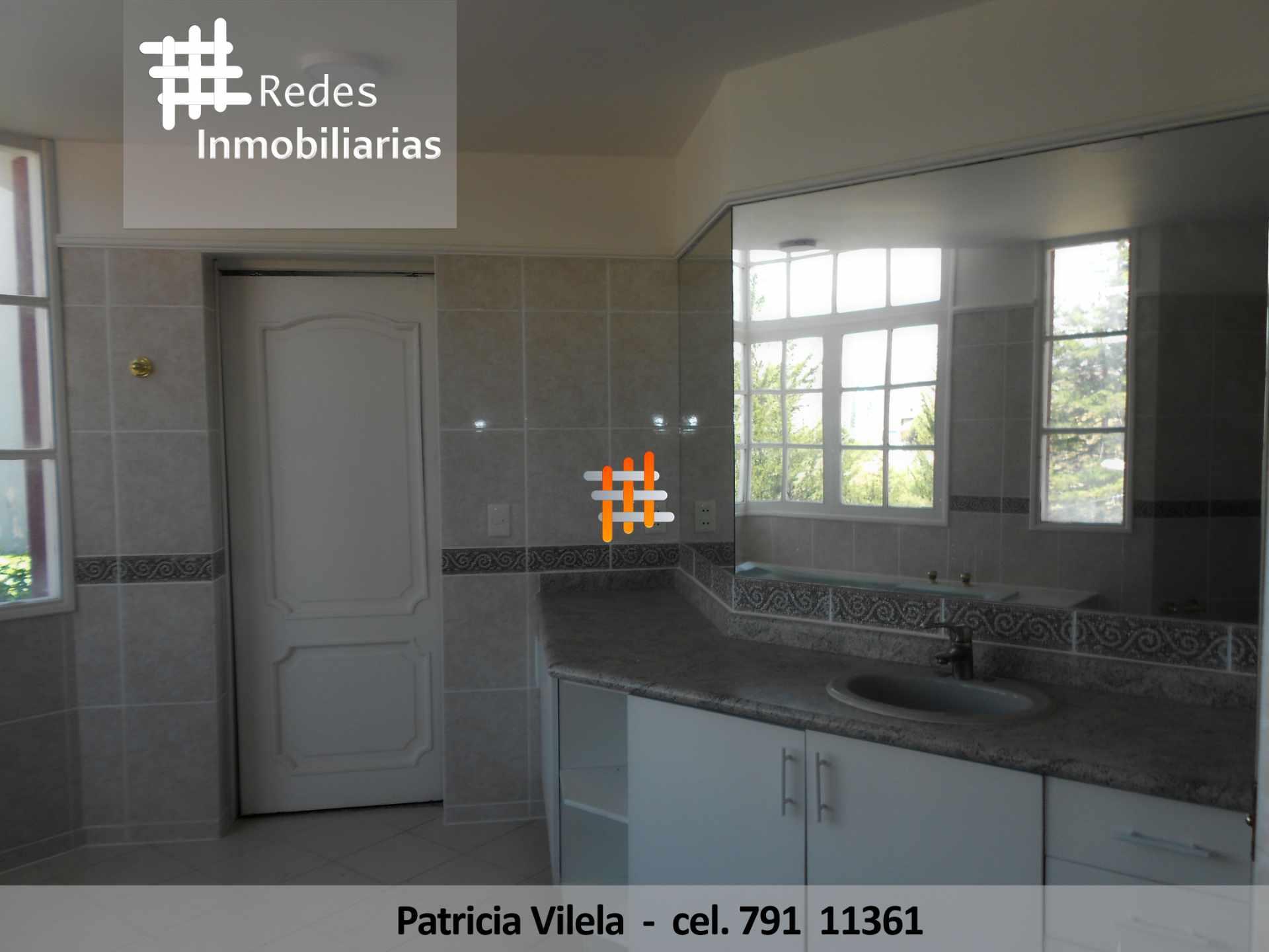 Casa en Venta HERMOSA CASA EN VENTA ACHUMANI CONDOMINIO PRIVADO  Foto 12