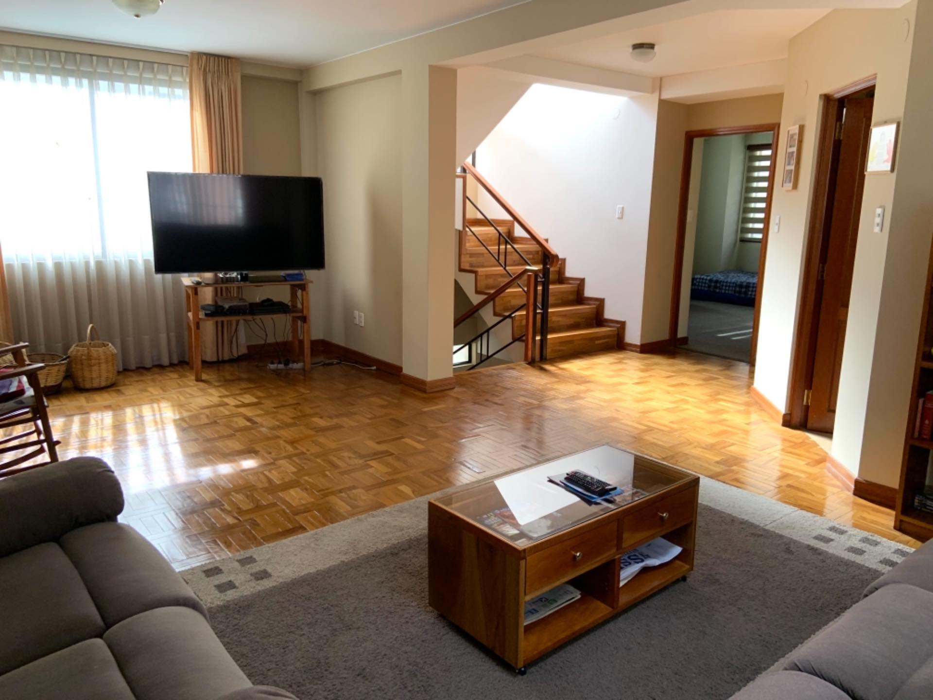 Casa en Venta Achumani inmediaciones del viaducto del Asilo San Ramón y también a la residencia americana. Altura calle 27  Foto 13