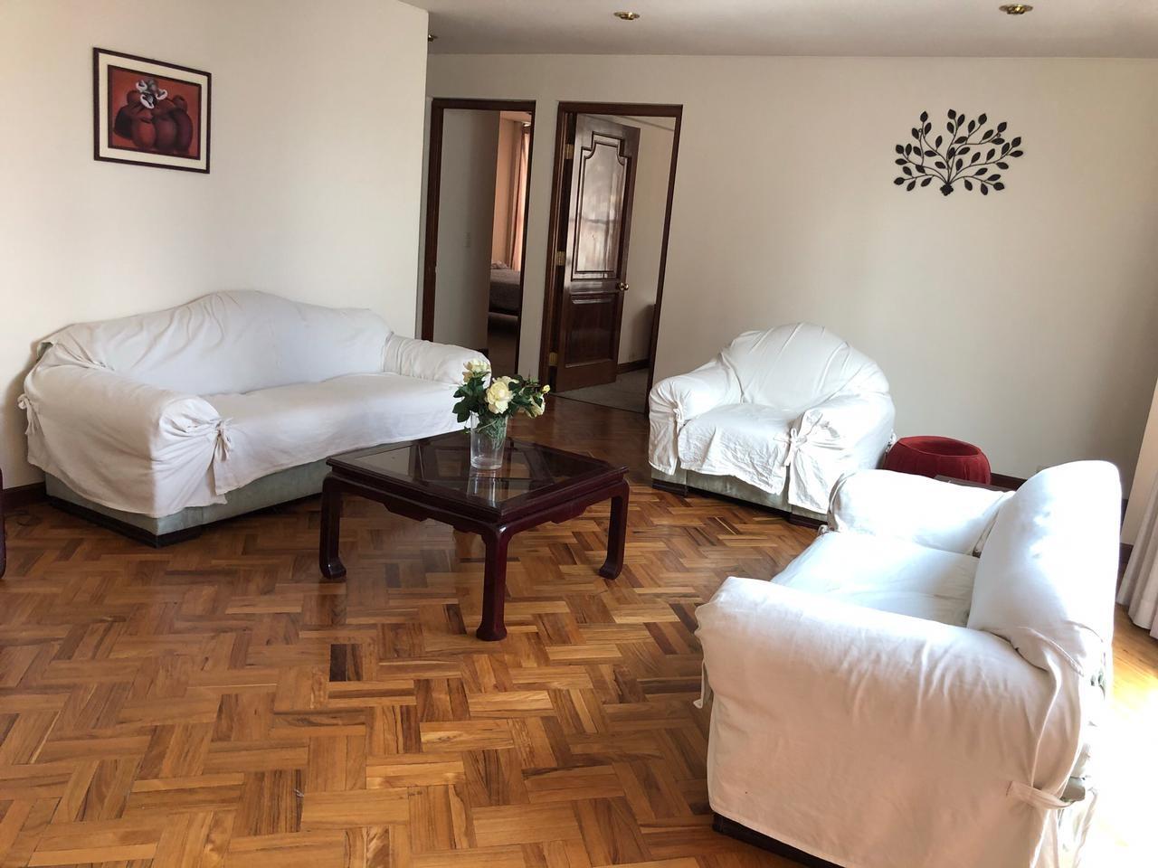 Habitación en Alquiler Amplia y Cómoda habitación en Sopocachi. Av. 20 de Octubre, esq. Campos. Edificio Csapeck  Foto 9